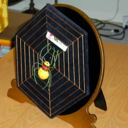 Card Spider by Owen Magic Supreme