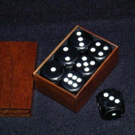 Review by William for Collector's Edition Dice Box by Definitive Magic