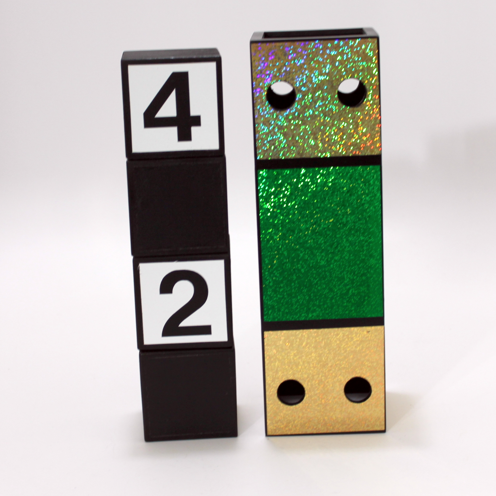 Crazy Cubes (Green) by Harries