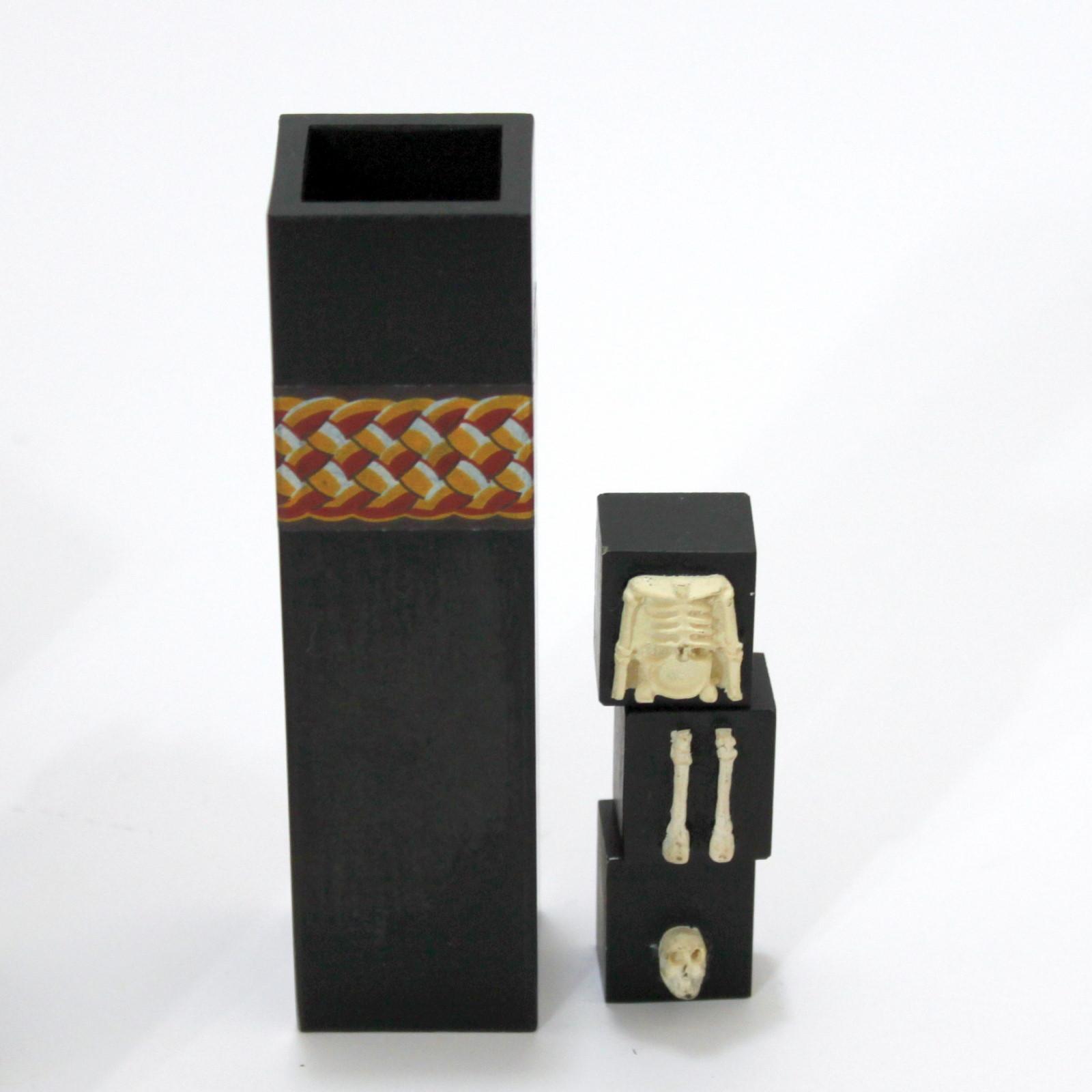 Cryptic Skeleton (Tseng Tjeng) by Tony Lackner