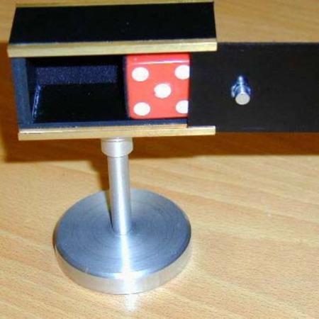 Duco's Dice Box by El Duco's Magic