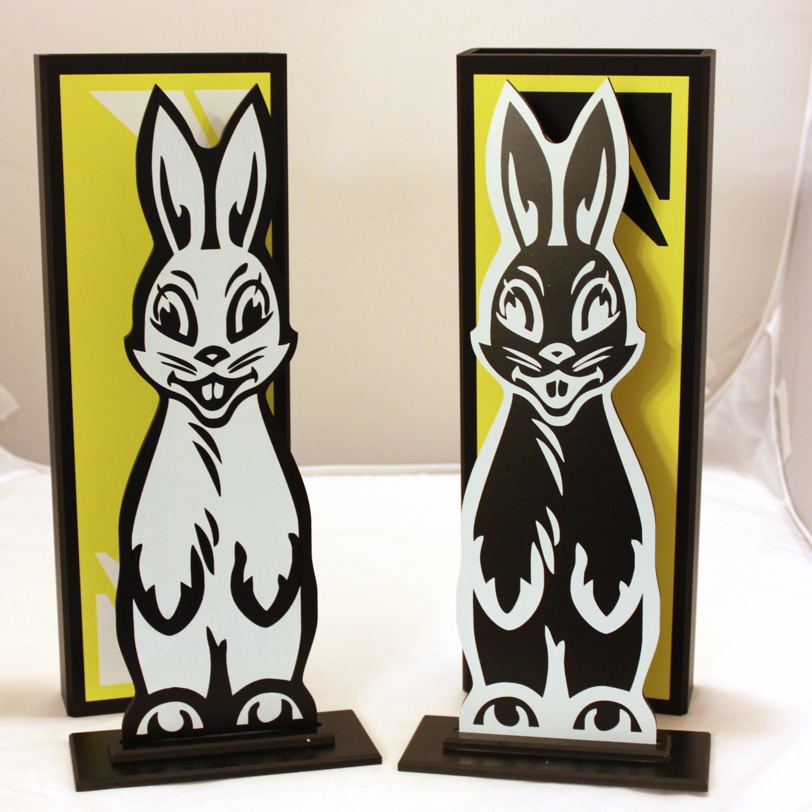 Hippity Hop Rabbits De-Luxe by Germany