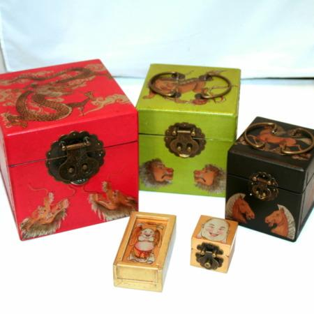 Oriental Nest of Boxes by Fantasma