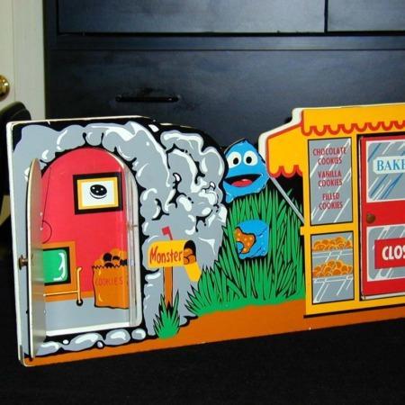 Run Cookie Monster Run by Hank Lee