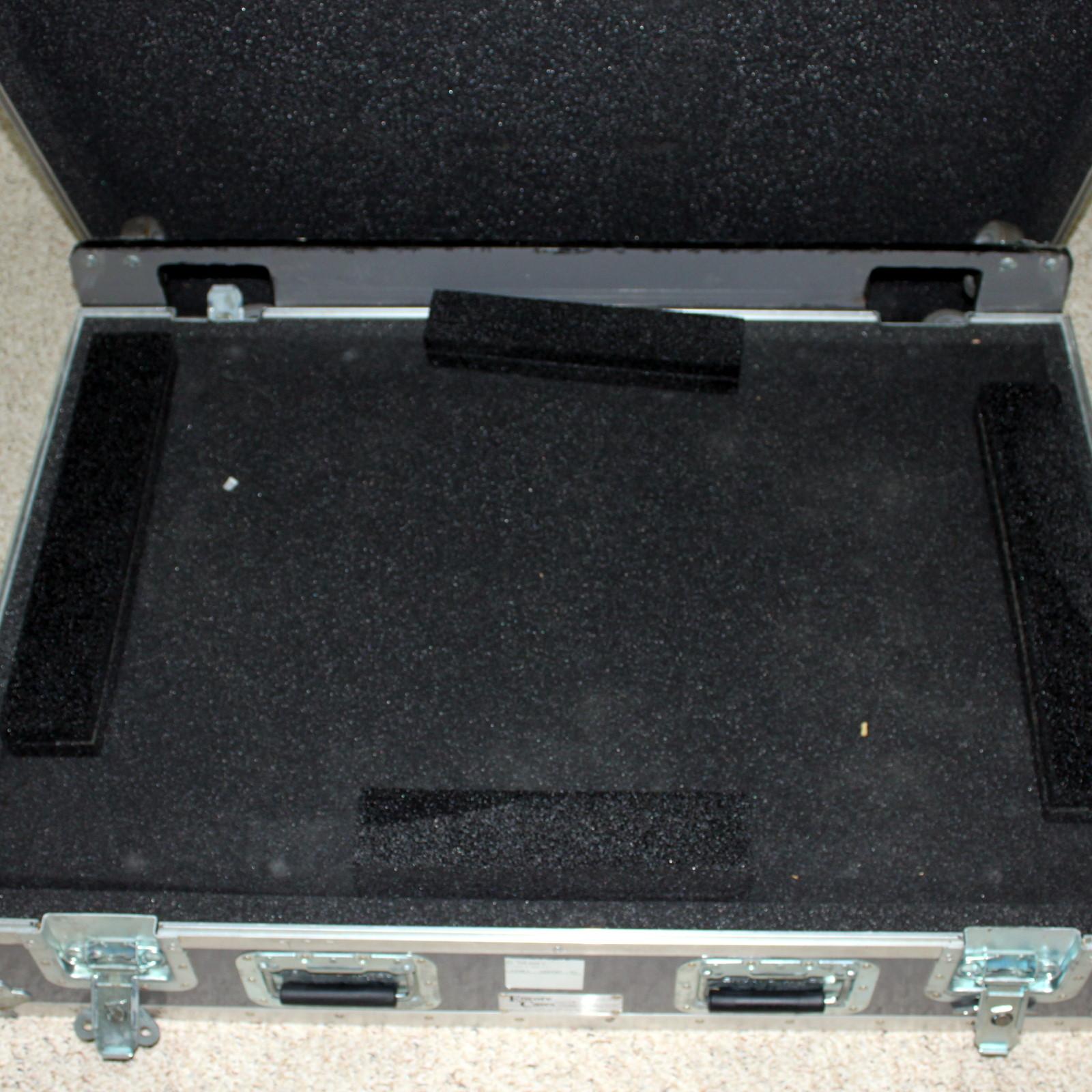 See-Thru Guillotine ATA Case by Wellington Enterprises