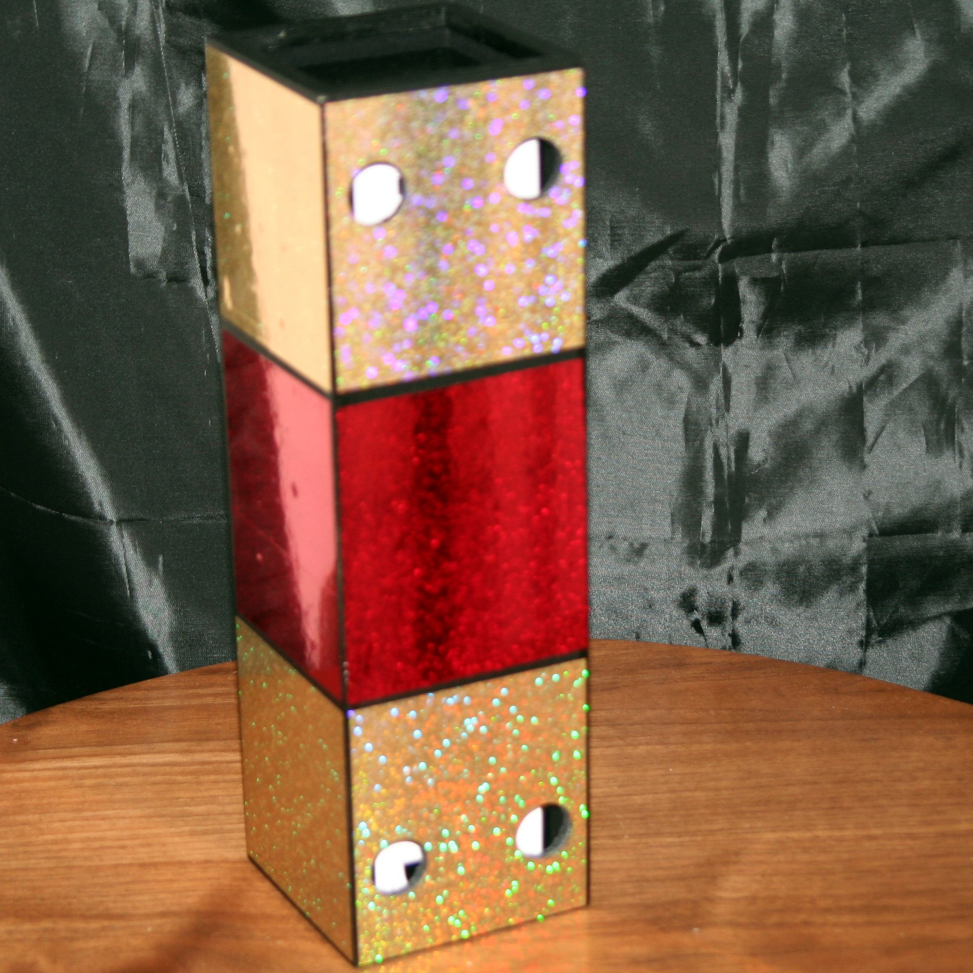 Crazy Cubes (Red) by Harries