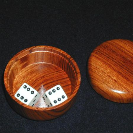 Wooded Sure-Shot Dice Box by El Rey De La Magia