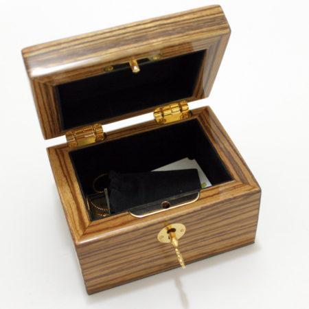 Zingana Box by Magic Wagon
