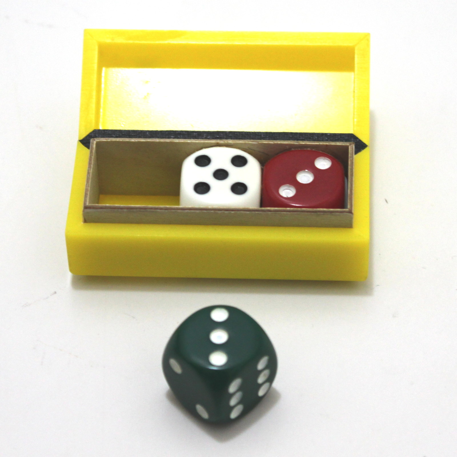 Uncanny Dice Box (Regular) by Eddy Taytelbaum