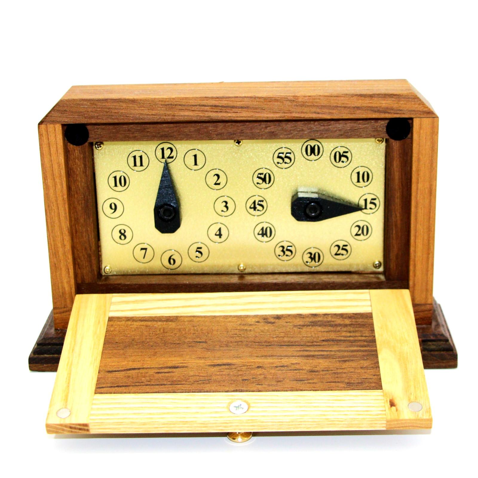 Da Vinci Clock by Magic Wagon
