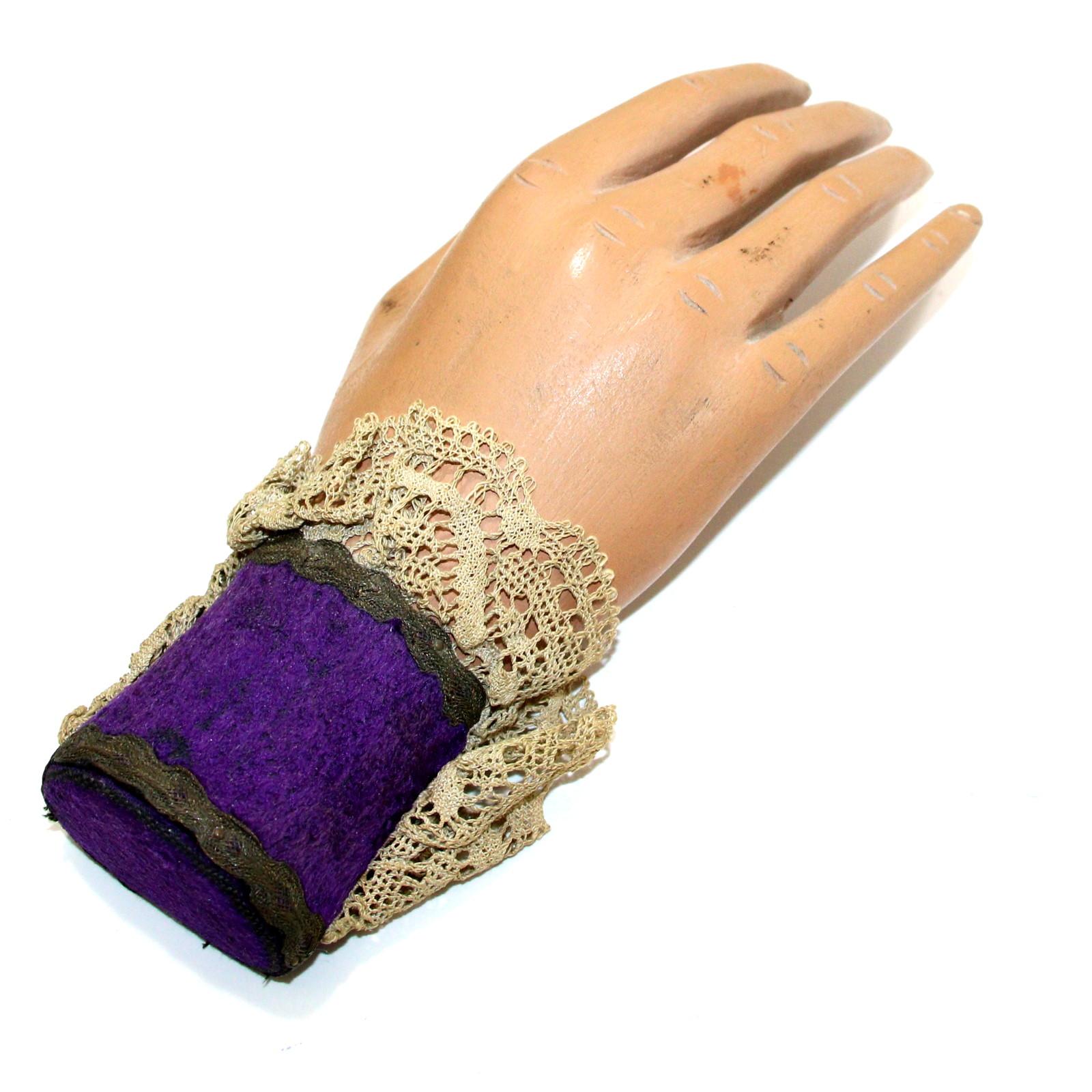 Dr. Q Spirit Hand by Thayer Quality Magic