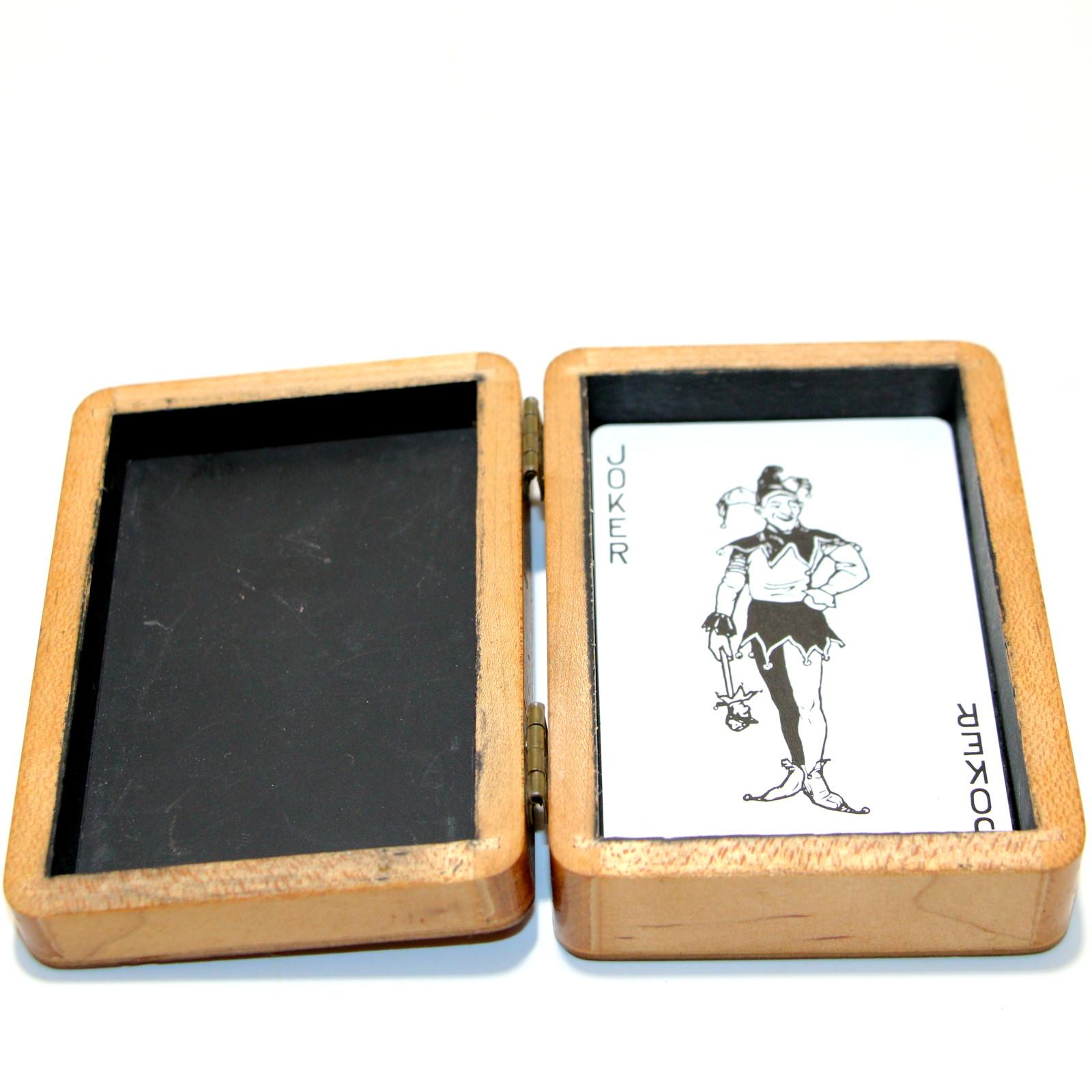 Self-Locking Card Box by Wayner Sanderson, Tannens