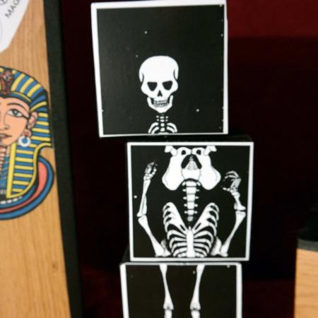 Skeleton in the closet (Skelett im Schrank) by Kairo